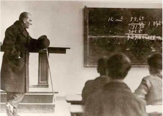 Cumhuriyet'in Öğretmenleri Öğretmenler Gününüz Kutlu Olsun !