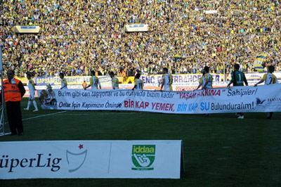 Haytap Afişleri Futbol Sahalarında
