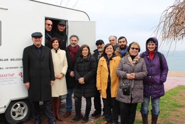 2016 Haytap takvimleri sayesinde Kınalıada'daki hayvanların artık bir kliniği var